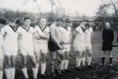 Unser überragender Tormann Hoy vor seinen letzten Spiel in unserer Mannschaft 1965